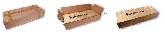 Scatola di legno regalo, dentro una scatola di cartone bianco