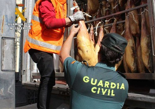 Sequestro di prosciutti da parte della Guardia Civil